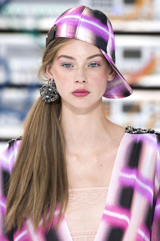 Acconciature capelli lunghi colorati