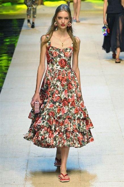 save off ff6b9 956a9 Look anni 50: dai vestiti al trucco ecco cosa è trendy