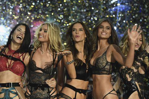 Abbiamo provato la dieta delle modelle di Victoria's Secret per una settimana e ora non ci sentiamo molto bene
