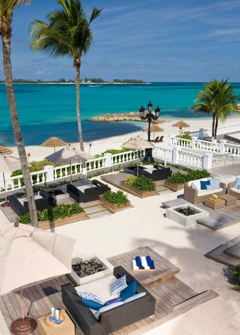 Resort, Property, Vacation, Swimming pool, Building, Sunlounger, Palm tree, Real estate, Outdoor furniture, House,