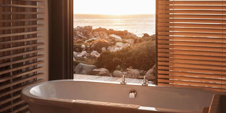 10 alberghi con vista panoramica mozzafiato dal bagno