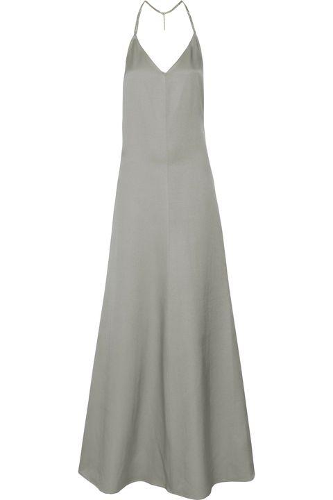 <p>Per chi è alla ricerca di un abito minimal, ma di grande effetto. L'abito effetto sottoveste in tonalità grey (Barbara Casasola) è chic e understated, da indossare e ri-indosssare.</p>