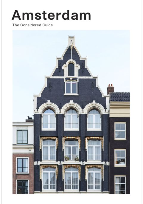 Architecture, Property, Classical architecture, Landmark, Building, Facade, House, Real estate, Medieval architecture, Window,
