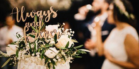 Petal, Bouquet, Flower, Cut flowers, Floristry, Wedding dress, Flower Arranging, Flowering plant, Dress, Bridal clothing,