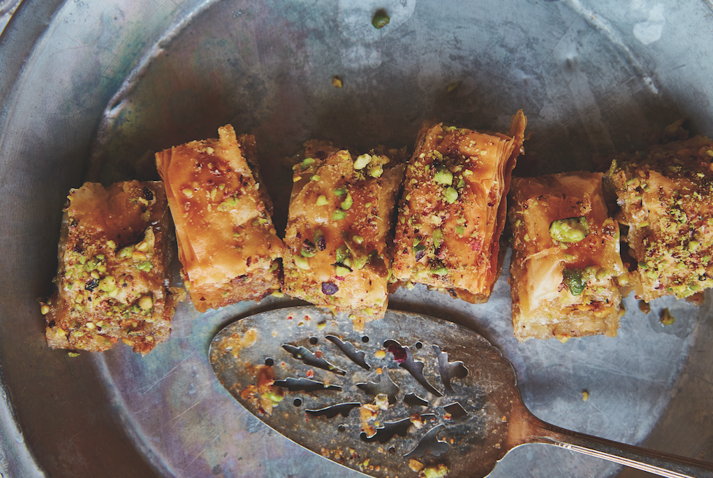 Il dolce dell'autunno è la baklava al pistacchio, ma come si fa? La ricetta facile ve la diamo noi