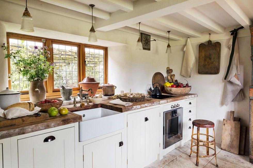 Arredamento casa rustica mobili rustici camera in legno for Arredamento casa rustica