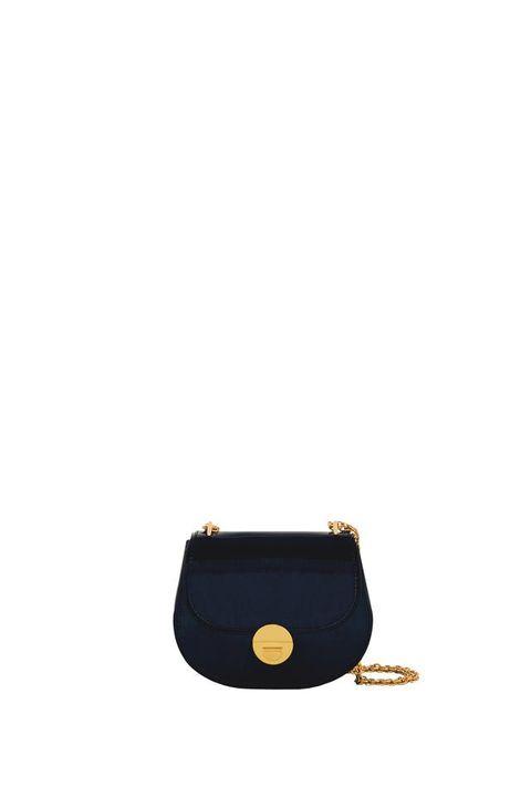 <p>&nbsp;Gold, di vitello specchiato, Coccinelle (248 euro). </p>