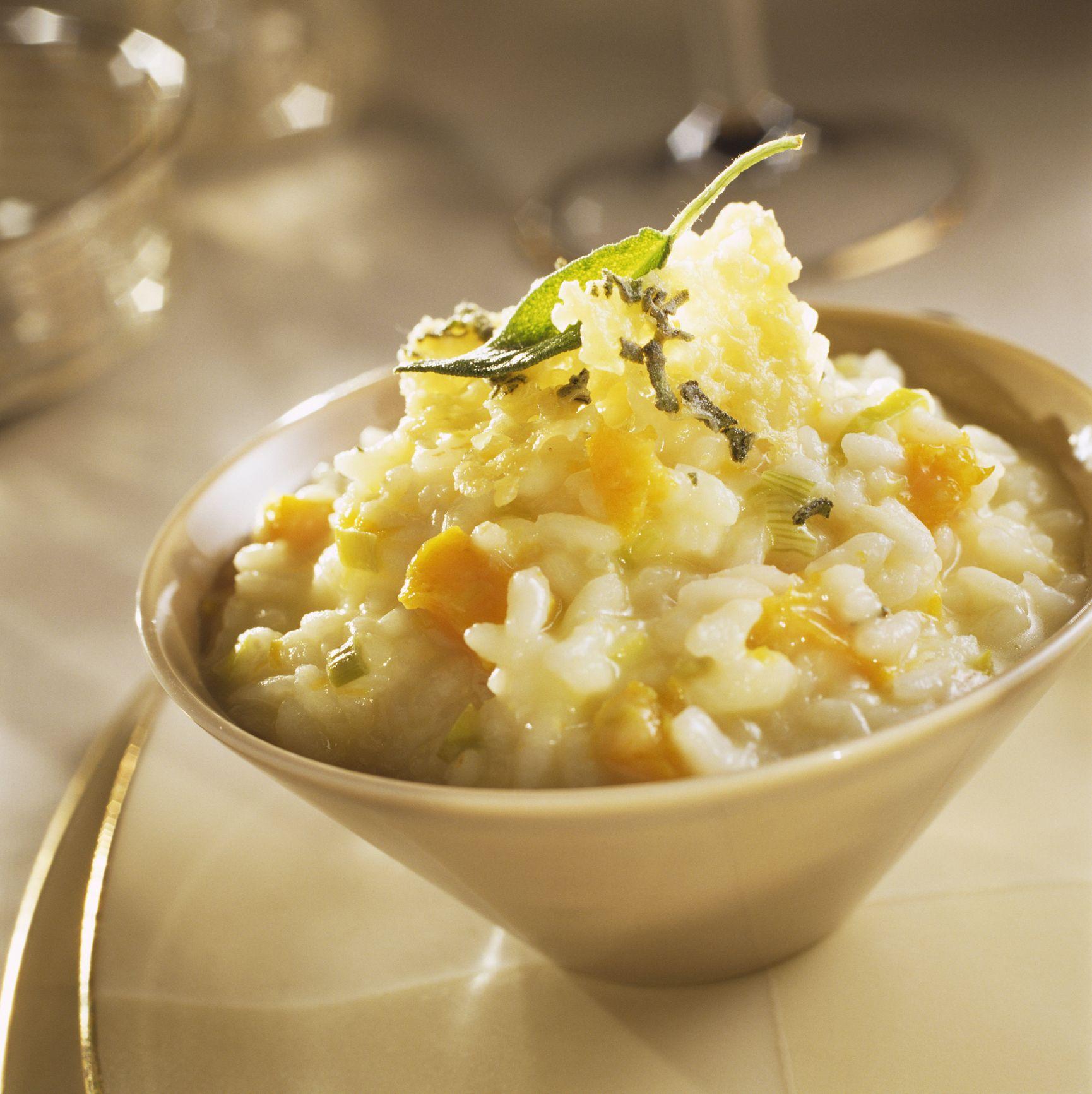 La ricetta perfetta per le domeniche d'autunno è il risotto alla zucca e salvia