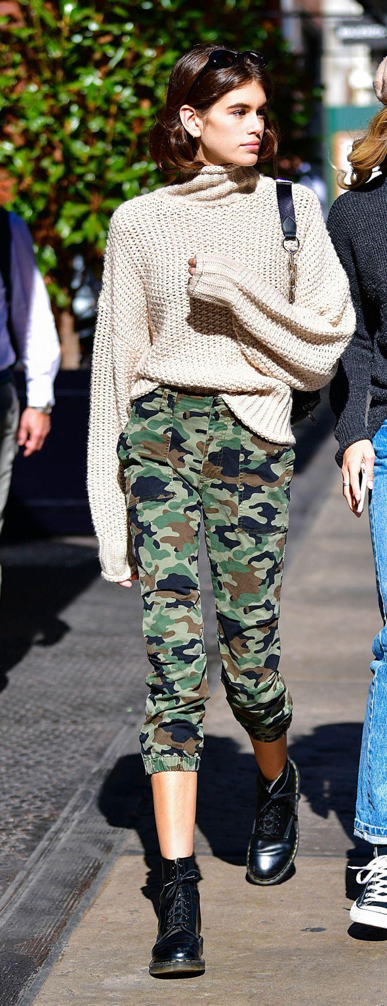 Il maglione low cost indossato da Kaia Gerber è la maglia