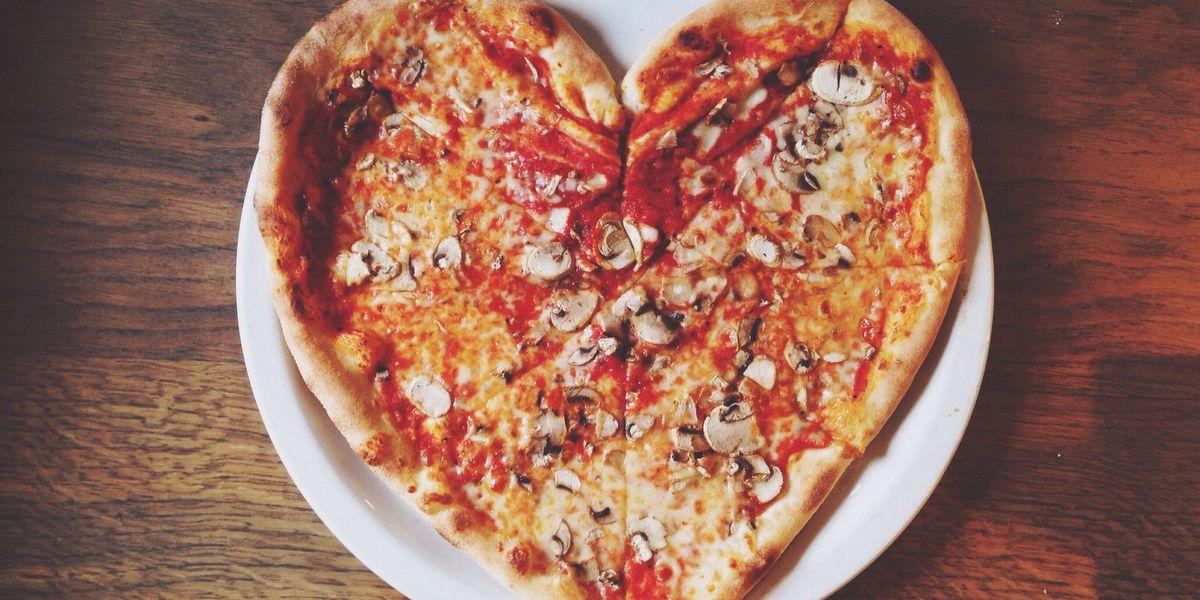 Come cucinare la pizza perfetta in casa grazie ai suggerimenti dell'esperto