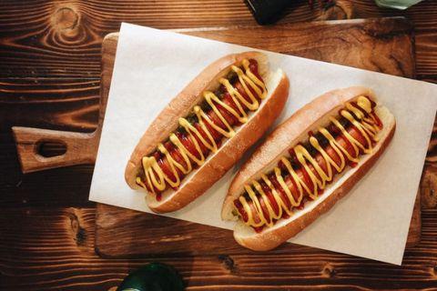 La ricetta dell'Hot Dog da preparare a casa è la cosa più gustosa ed estrema che vorrete fare questo week end