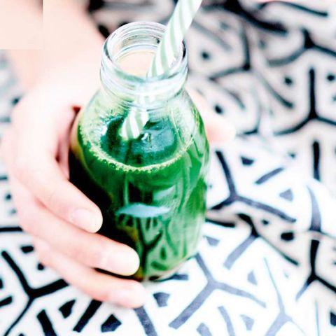 Bevi uno smoothie di spinaci, e poi vorrai berne mille! Basta farlo con la ricetta giusta