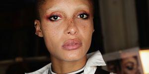 adwoa aboah topshop ss18 london fashion week glitter make-up