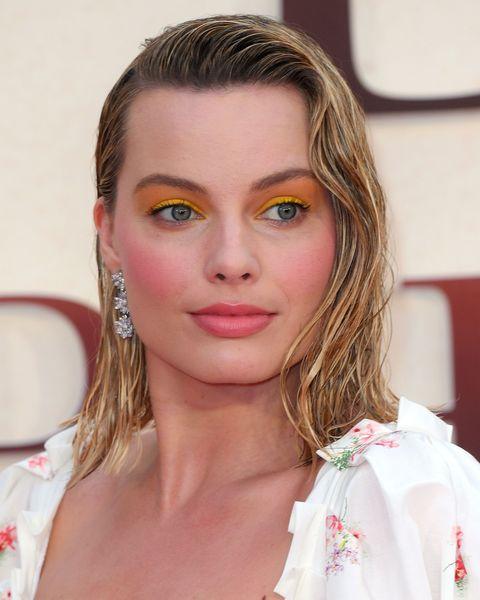 Margot Robbie Yellow Eyeshadow