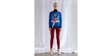 Clothing, T-shirt, Electric blue, Cobalt blue, Fashion, Footwear, Leggings, Sleeve, Trousers, Costume,