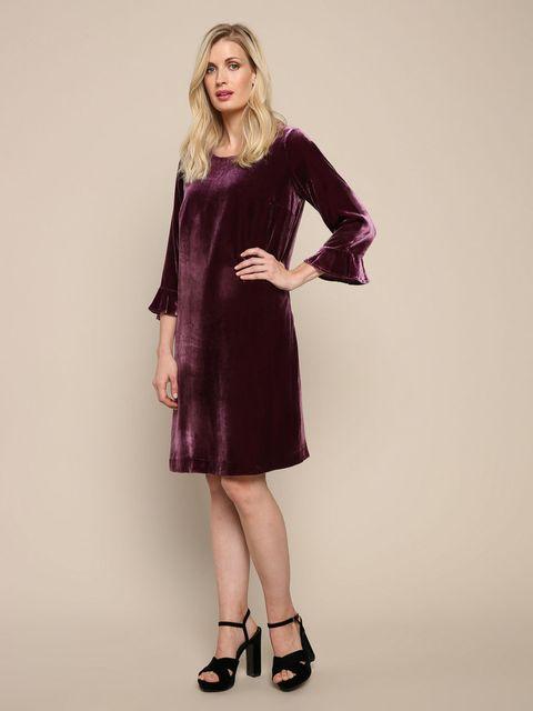 Clothing, Dress, Fashion model, Purple, Velvet, Cocktail dress, Shoulder, Day dress, Fashion, Sleeve,