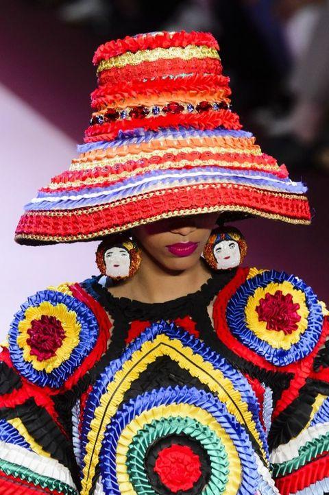 Cappello da donna  ecco i 16 modelli di tendenza per il 2018 f54ddc340701