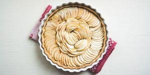 Ecco la ricetta classica della torta di mele della nonna: un dolce facile e veloce