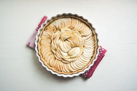 La torta di mele nella sua ricetta classica è quello che ti serve per ingolosire chi ami: ma come si fa?