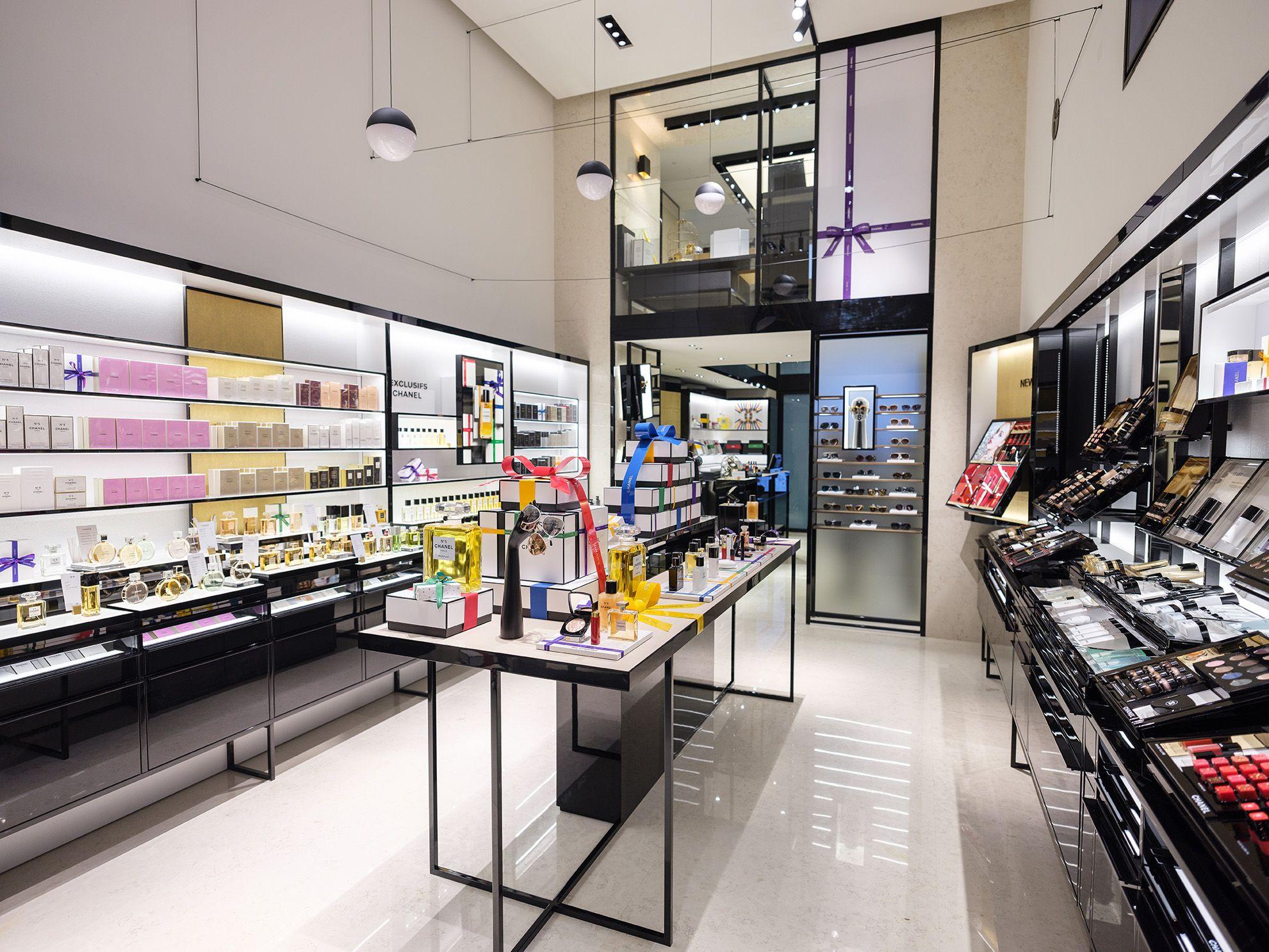 Chanel Negozio Milano Tutti I Motivi Per Visitare Il Primo Store Di Chanel Dedicato Alla Bellezza
