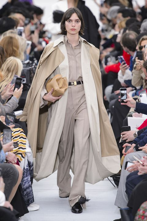 moda-primavera-2018-pantaloni-vita-alta