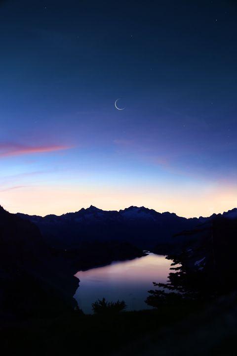 Calendario Lunare Per La Salute E La Bellezza.Capelli Taglio Il Calendario Lunare Capelli Mese Per Mese