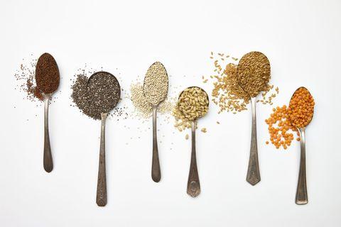 Come si usa la farina di semi di lino e perché fa così bene? Guida pratica a un alimento straordinario