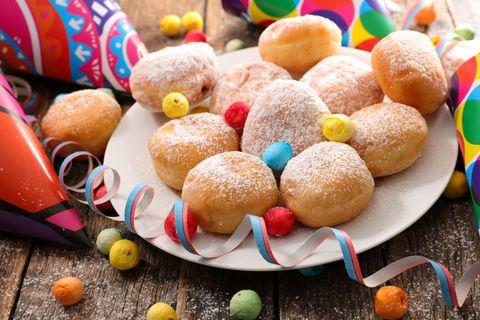 Che le chiamiate tortelli o frittelle di Carnevale poco importa: la ricetta è facile e va provata ora