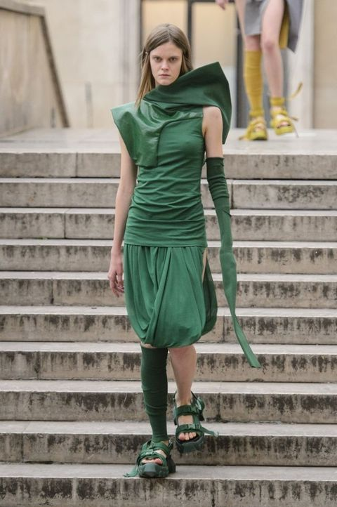 219184dbe102 Colori moda 2018: il verde è di tendenza anche per la primavera e ...