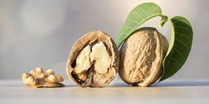 Le noci aiutano a eliminare la voglia di dolci e di cibi grassi e pesanti