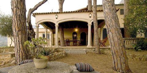 Property, House, Building, Home, Room, Real estate, Estate, Tree, Architecture, Interior design,