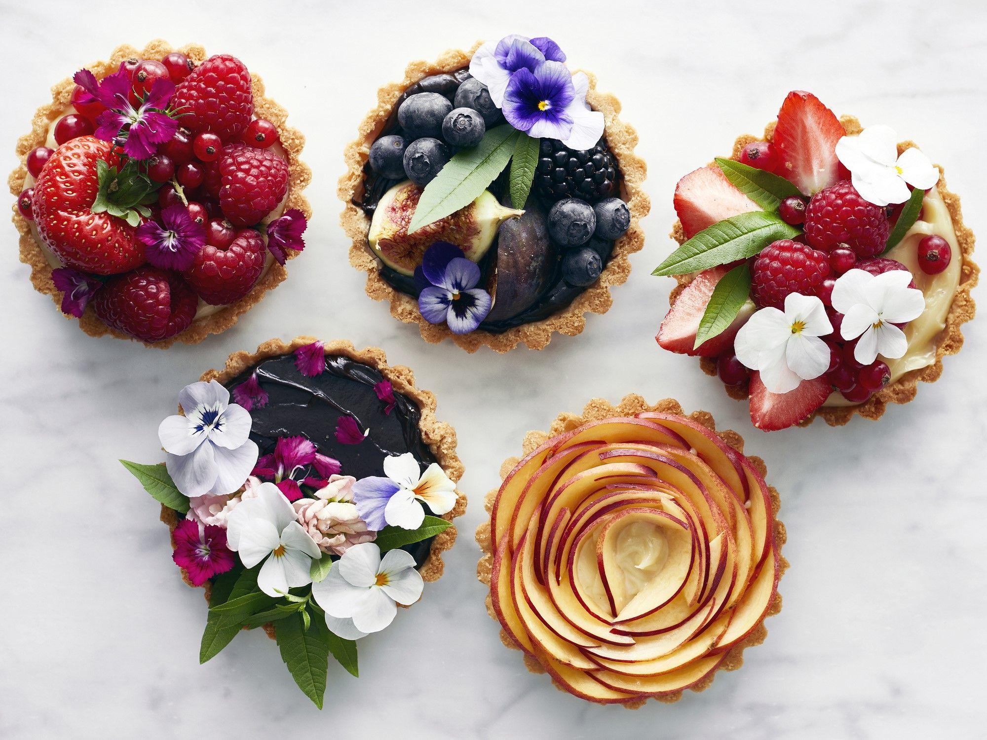 La crostata di frutta è quella ricetta perfetta, perché dolce e fresca: ma come si fa egregiamente?