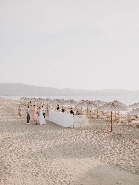 Photograph, White, Sand, Natural environment, Desert, Landscape, Aeolian landform, Ecoregion, Beach, Sea,