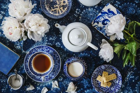 Blue, Cup, Tableware, Serveware, Coffee cup, Blue and white porcelain, Porcelain, Teacup, Saucer, Food,