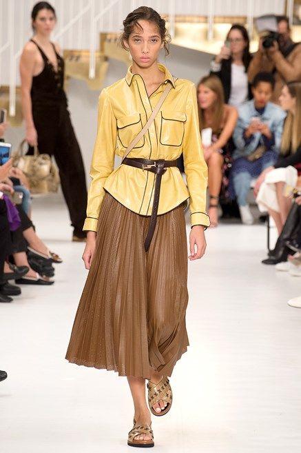 gonne-moda-primavera-2018-modelli-a-pieghe