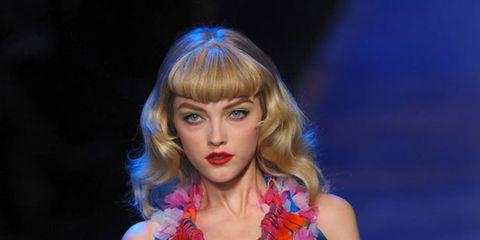 <p>John Galliano design for Dior</p>