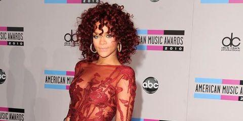 <p>Rihanna in Elie Saab at the AMAs</p>