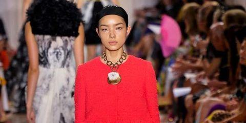 <p>Giambattista Valli couture look 35</p>