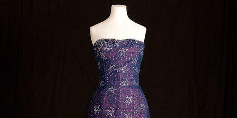 1373282723-royal-dresses-on-display-at-kensington-palace