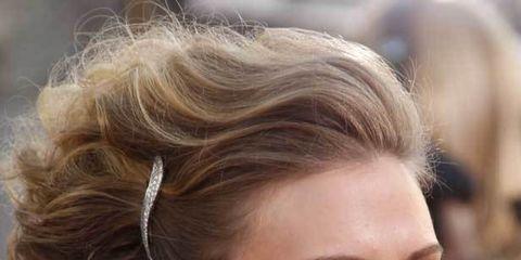 1325878790-celeb-watch-hair-accessories