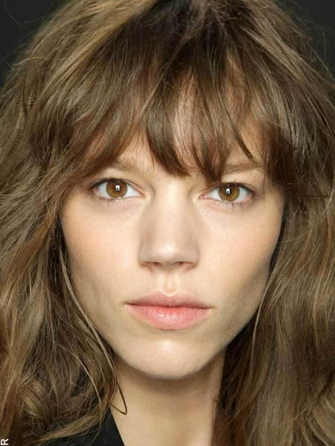 <p> Don't go for Valley of the Dolls bouffant and steer clear of poker straight – what's sexy now is an artfully ruffled blow-dry that looks a little underdone and like you just got out of bed. Take inspiration from the loose blowdrys at Isabel Marant and