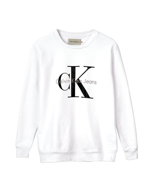 "<p>Calvin Klein Sweatshirt, £90 at <a href=""http://www.veryexclusive.co.uk/calvin-klein-crew-neck-logo-sweatshirt-white/1600058200.prd"" target=""_blank"">veryexclsuive.co.uk</a> </p>  <p>Wear now: this one is all about that grungy layering. First comes the"