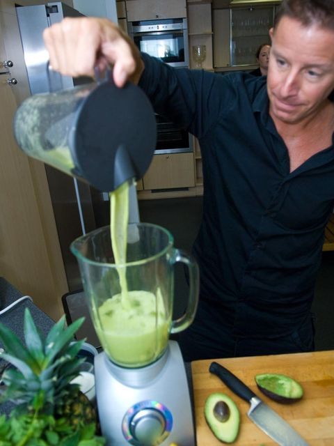 <p>Pour the juice into a blender along with the avocado flesh and ice.</p>