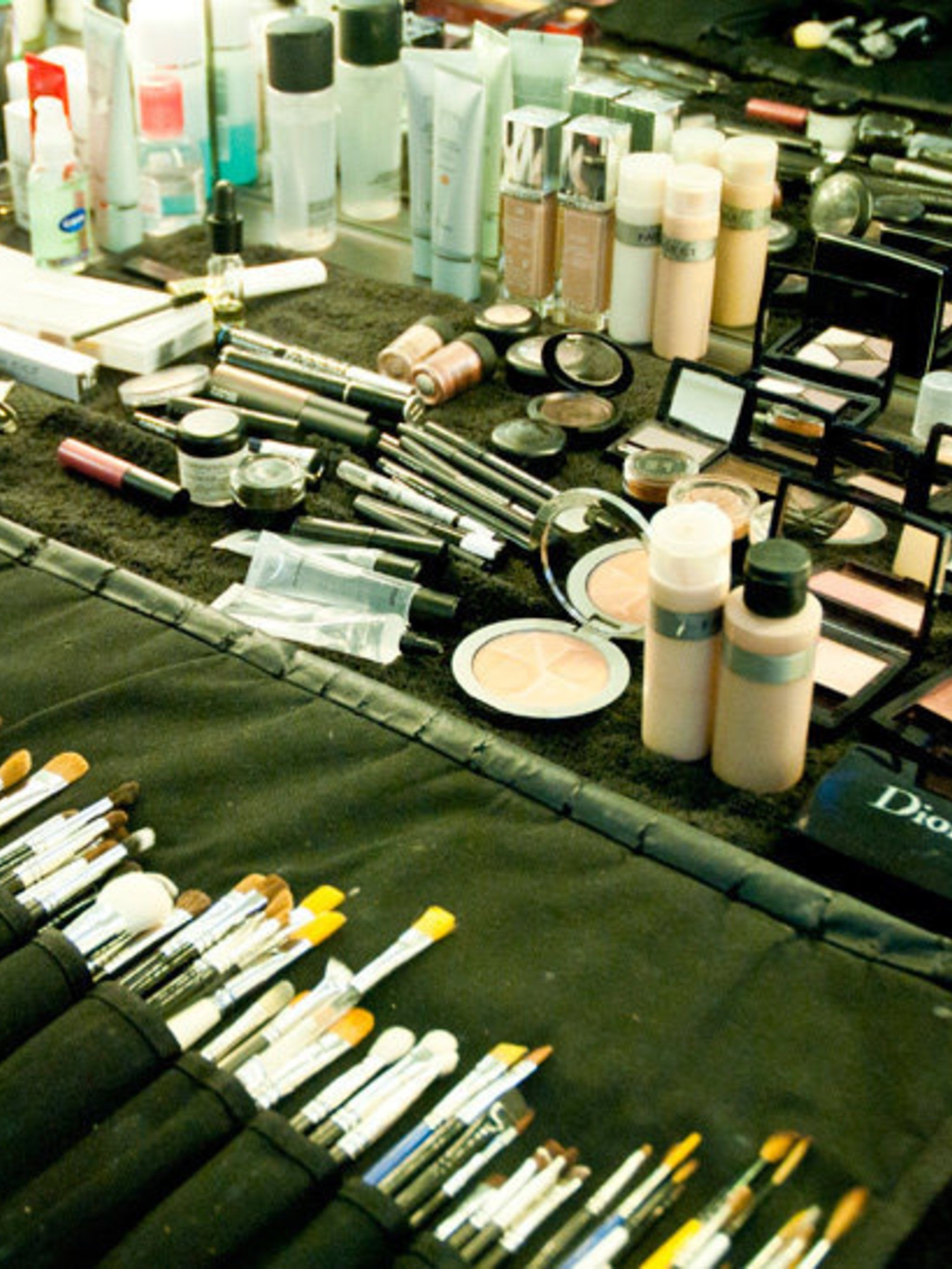 <p>A row of make-up brushes used to create a clear, natural make-up base for Jessie.</p>