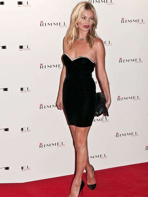 <p>Kate Moss attends the Rimmel party in a black vintage dress and matching Louboutin heels.</p>