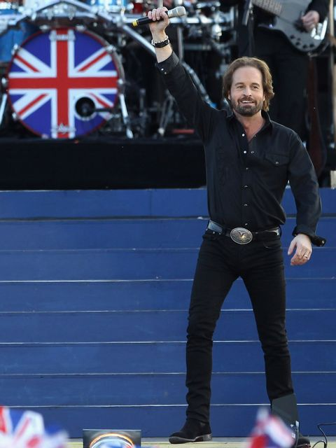 <p>Alfie Boe, who has performed in productions of Les Miserables, sang classic opera songs for Her Majesty Queen Elizabeth II at the Diamond Jubilee Concert in London.</p>