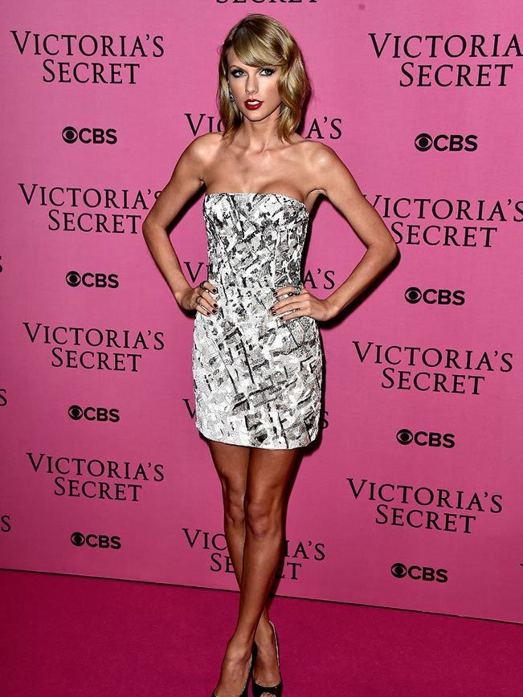 1febab209b Taylor Swift s Style File - Every One Of Taylor Swift s Country Glam Outfits