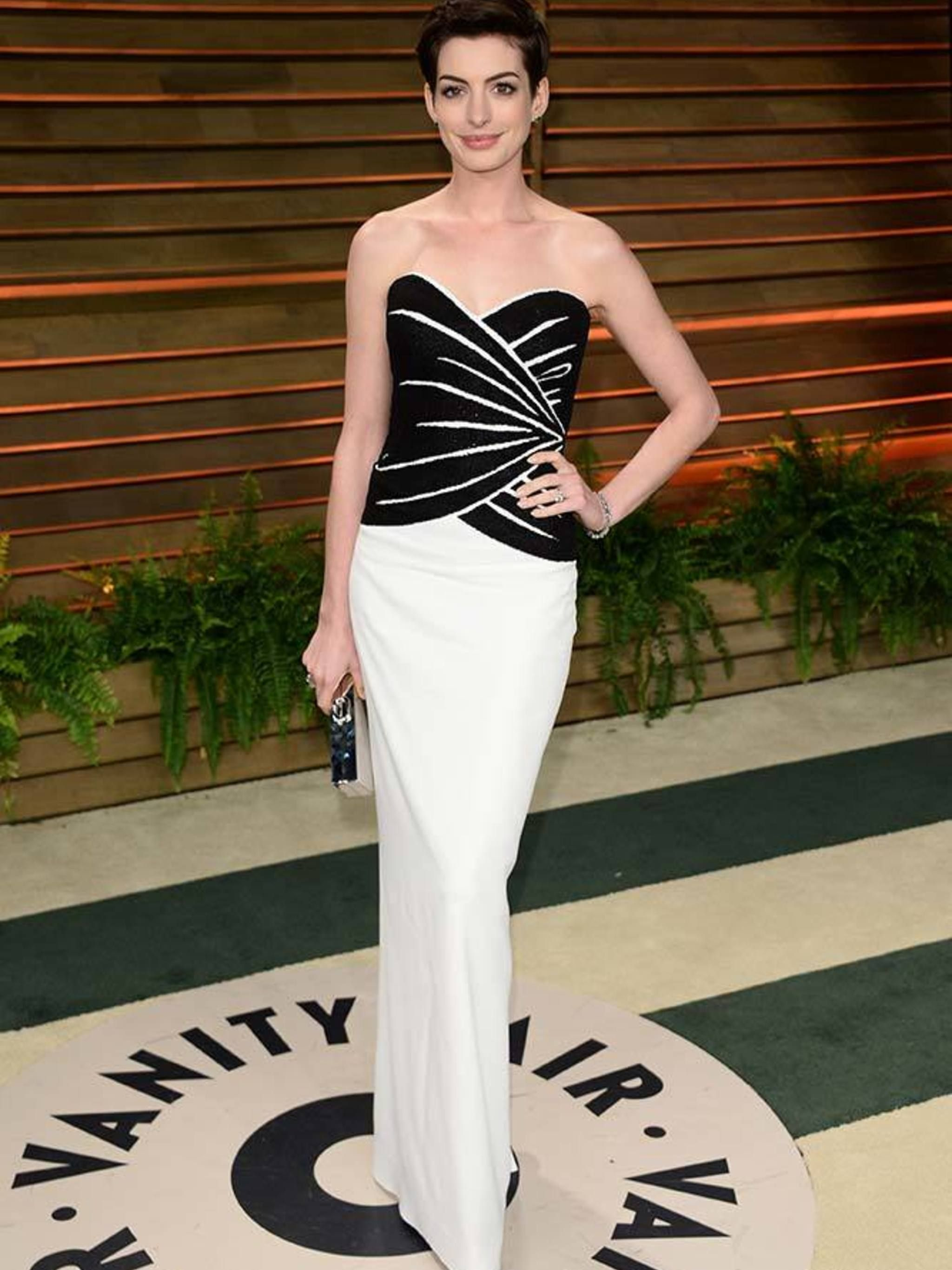 1a007e13871a6 Anne Hathaway's style file