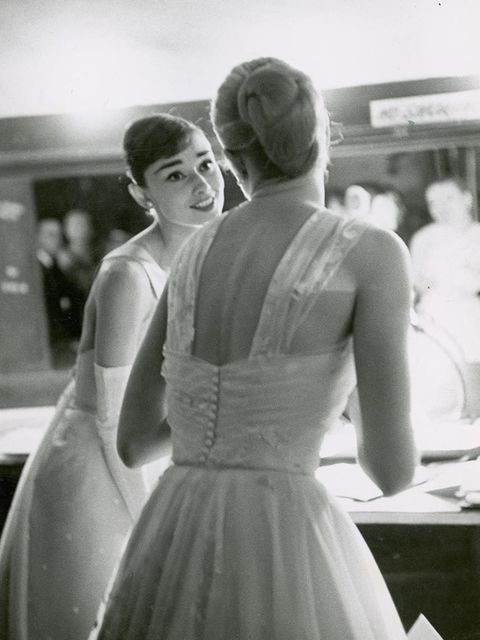 Audrey Hepburn and Grace Kelly at the 1958 Oscars