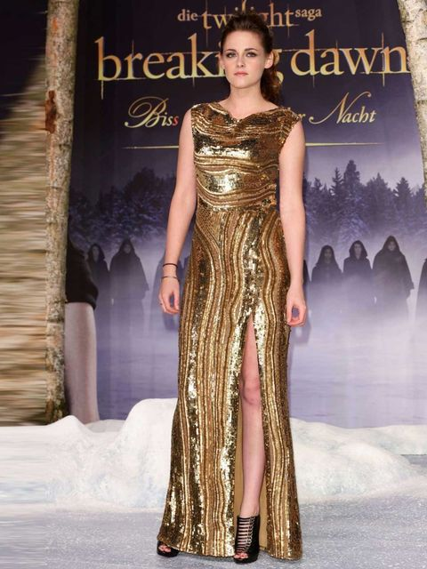 "<p><a href=""http://www.elleuk.com/star-style/celebrity-style-files/kristen-stewart-s-best-looks"">Kristen Stewart</a> wears a gold sequinned <a href=""http://www.elleuk.com/catwalk/designer-a-z/elie-saab/spring-summer-2013"">Elie Saab</a> Autumn Winter 12 go"